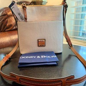 Dooney & Bourke Letter Carrier, Blush
